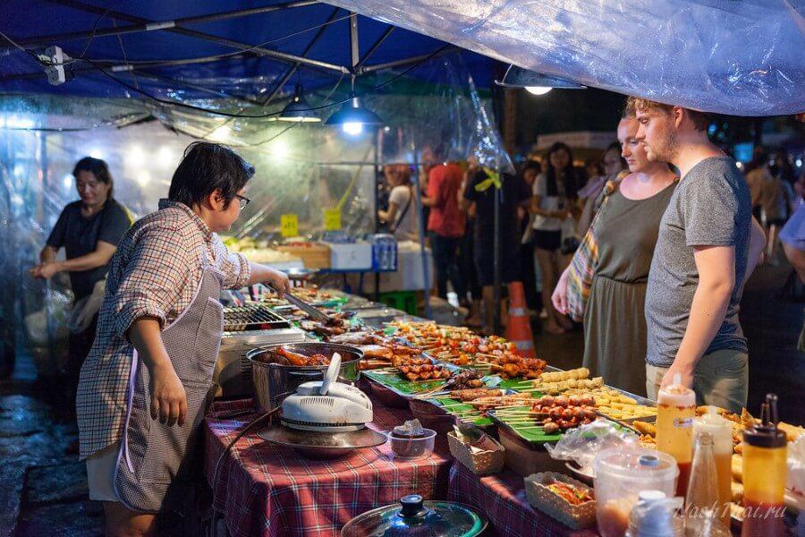 Ночной рынок в Пхукете