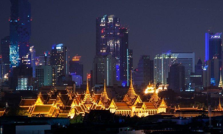 Королевский дворец в Бангкоке ночью