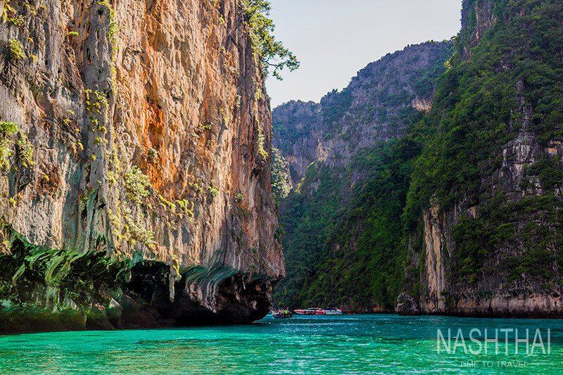 Залив Phi Le на острове Пхи-Пхи-Лей